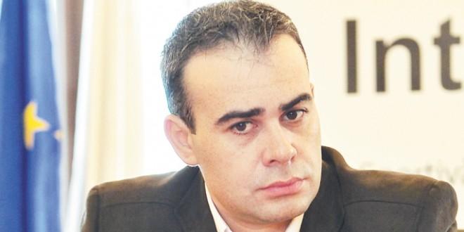 Darius Vâlcov a depus JURĂMÂNTUL. Băsescu: Să fiţi un ministru al Bugetului României, nu al unor interese